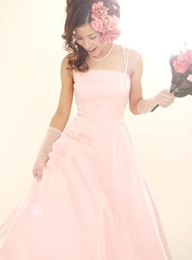滋賀の2次会用カラードレス レンタル Aライン ピンク ロングトレーン ビージング