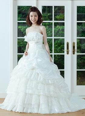 滋賀の2次会用ウェディングドレス レンタル プリンセスライン オフホワイト リボン付き
