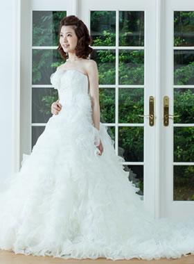 滋賀の2次会用ウェディングドレス レンタル プリンセスライン ホワイト バラ付き